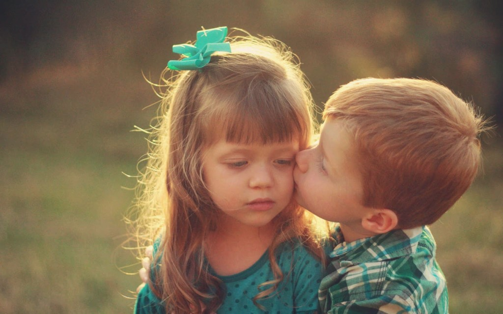 baby kiss images hd download